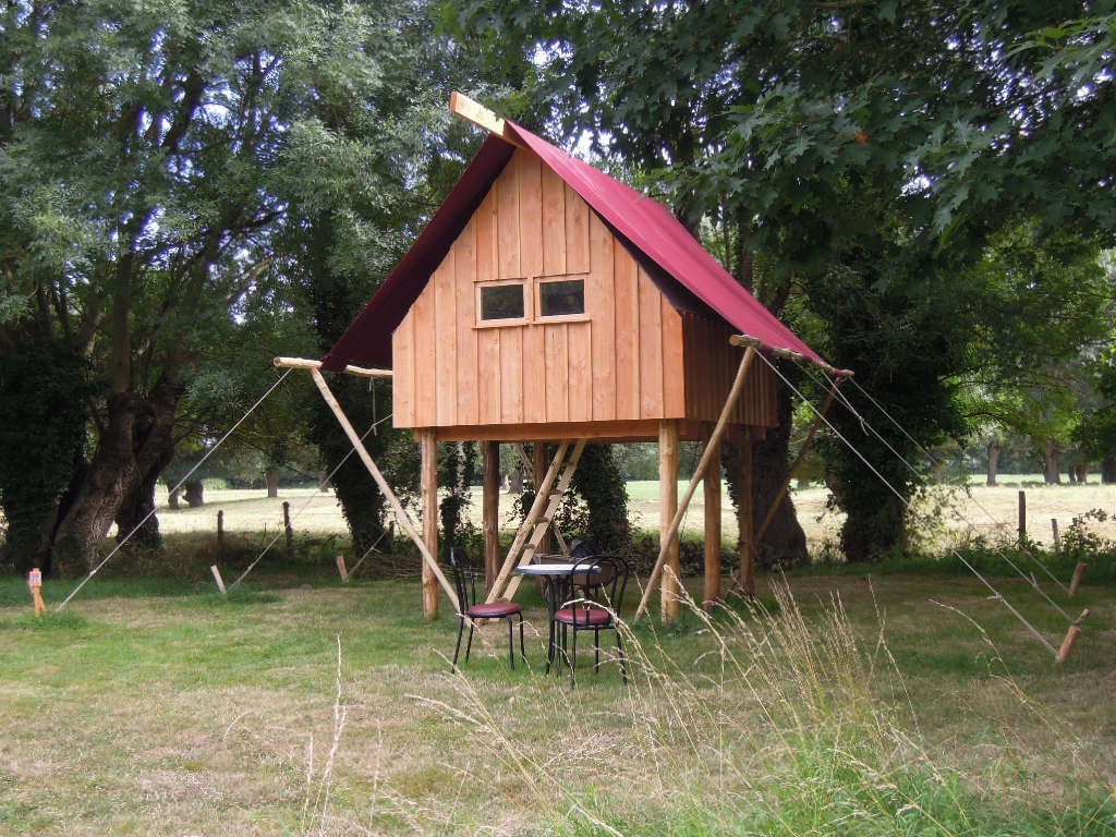 camping des babins h bergements nature bords de loire. Black Bedroom Furniture Sets. Home Design Ideas